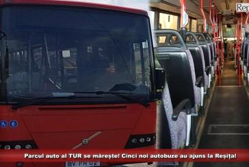 """Parcul auto al TUR se mărește! Cinci noi autobuze au ajuns la Reșița! """"Îndeplinesc toate normele cerute de UE""""!"""