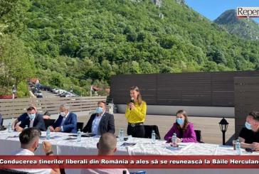 Conducerea tinerilor liberali din România a ales să se reunească la Băile Herculane!
