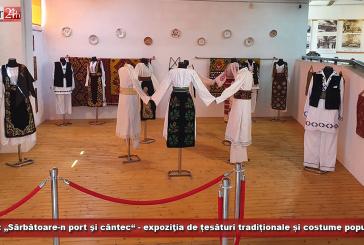 """LIVE: Expoziţia de țesături tradiționale și costume populare """"Sărbătoare-n port şi cântec""""!"""